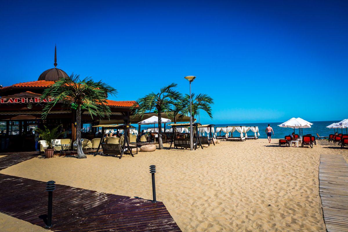 Оферти хотели на първа линия в Слънчев бряг